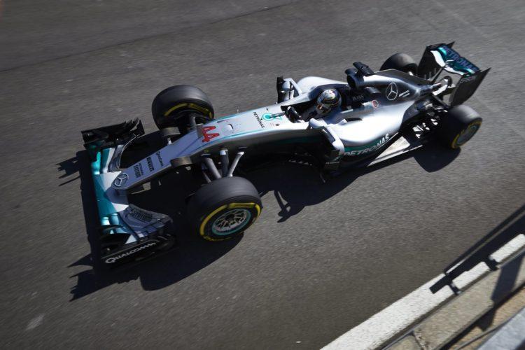 Lewis Hamilton Mercedes W07 Hybrid Belgian GP F1 2016 top shot Foto Daimler