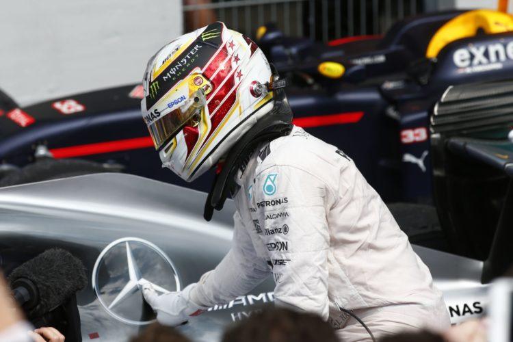 Lewis Hamilton Mercedes W07 Hybrid German GP F1 2016 parc ferme celebration victory no 49 Foto Daimler