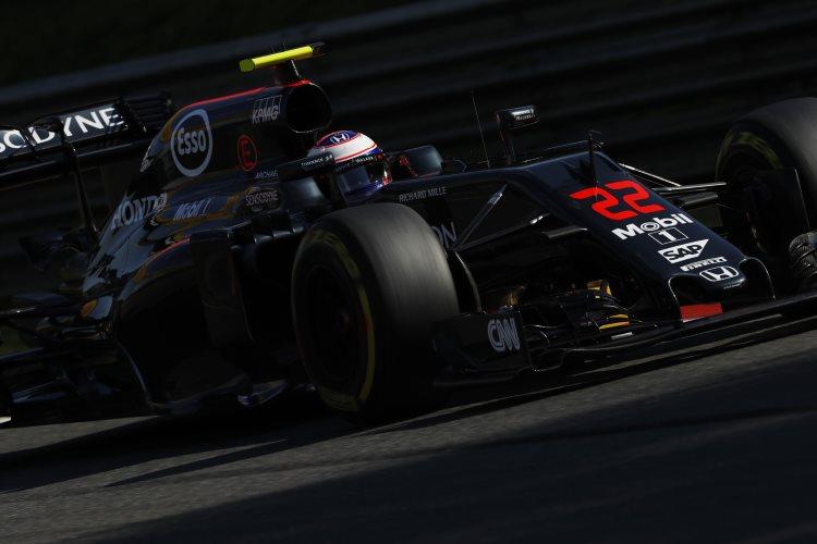 Jenson-Button-McLaren-Honda-MP4-31-Italian-GP-F1-2016-Foto-McLaren