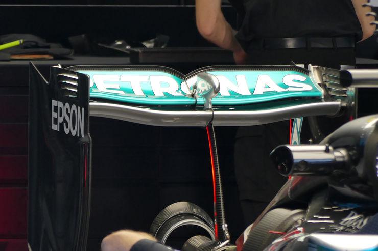 Mercedes je još u Spa isprobao stražnje krilo za Monzu, ali zasad su bolje rezultate postizali s krilom iz Spa (Foto: Auto Motor und Sport)