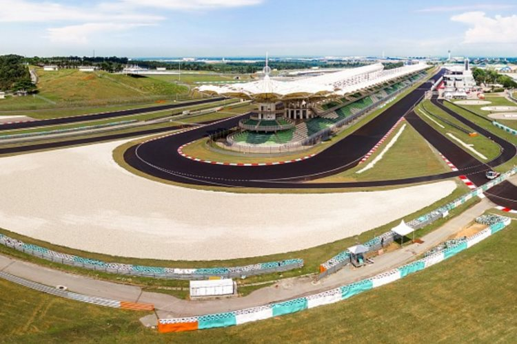 sepang-international-circuit-2016-new-surface-final-corner