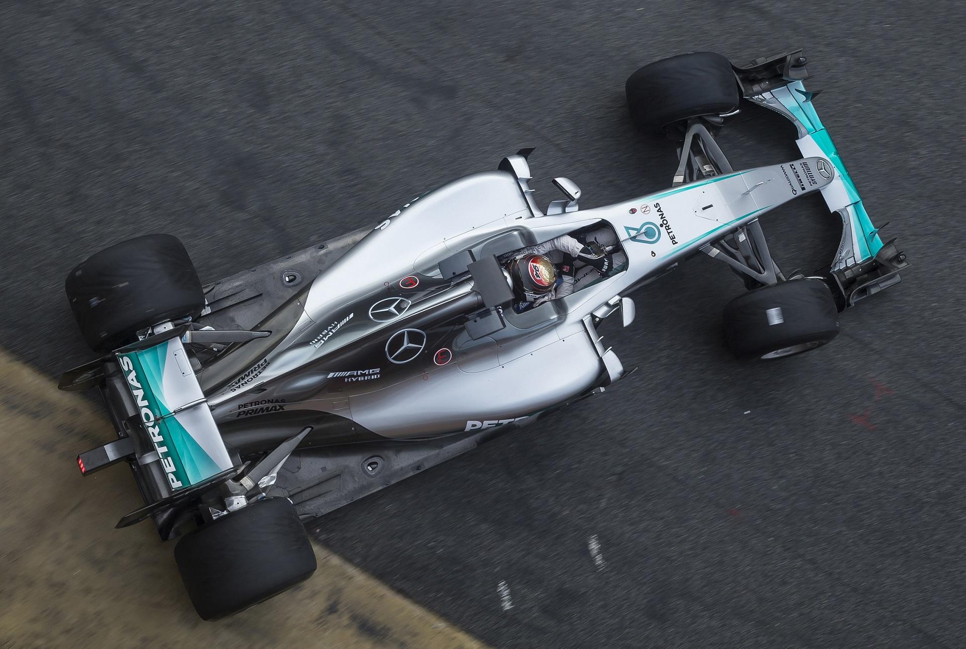 pirelli-f1-2017-tyre-test-wehrlein-mercedes-foto-pirelli
