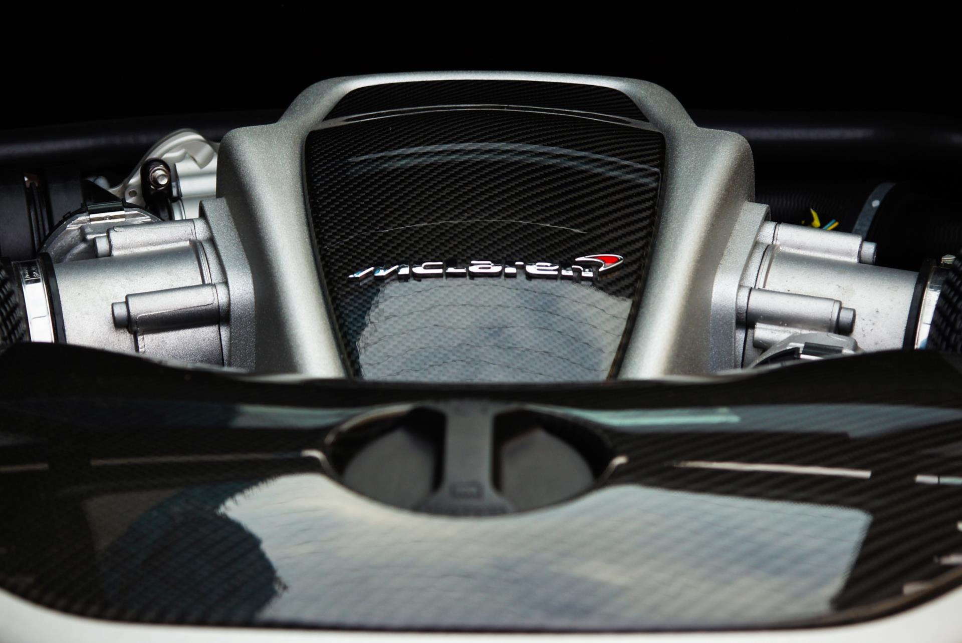McLaren M838T engine