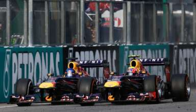 vettel-webber-red-bull-rb9-malaysia-gp-sepang-f1-2013-foto-AP Photo-Andy Wong