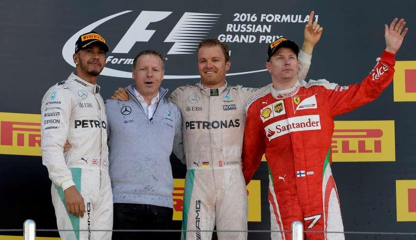 russian-gp-f1-2016-podium-foto-ferrari