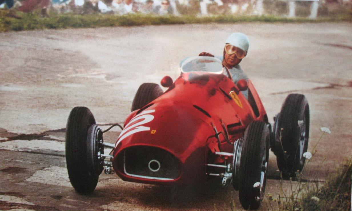 alberto-ascari-ferrari-500-german-gp-nurburgring-f1-1952 Foto cochesclasicosdehoy