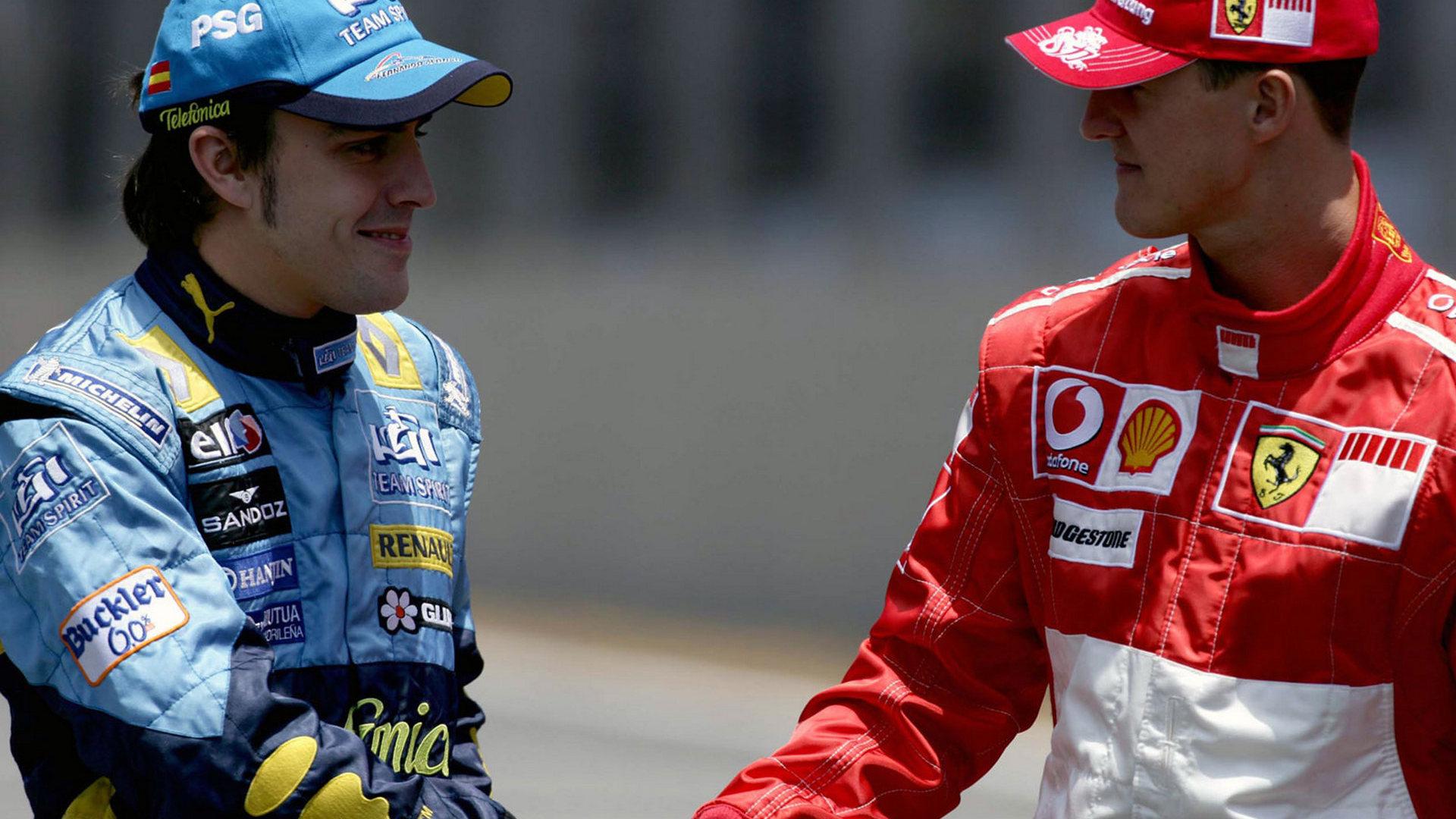 Pozdrav dvojice velikih rivala uoči VN Brazila 2006. - Fernanda Alonsa, koji je nakon utrke postao dvostruki uzastopni svjetski prvak, i Michaela Schumachera, sedmerostrukog svjetskog prvaka kojemu je to bila posljednja utrka (barem smo to tada mislili). Foto: f1fansite