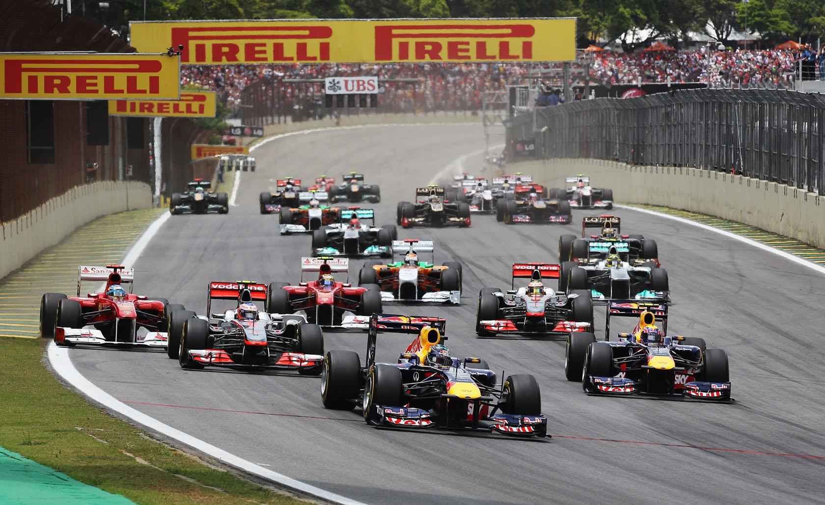 Start VN Brazila 2011. na kojoj je Webber ostvario prvu pobjedu u sezoni. (27.11.2011.) Foto: Red Bull