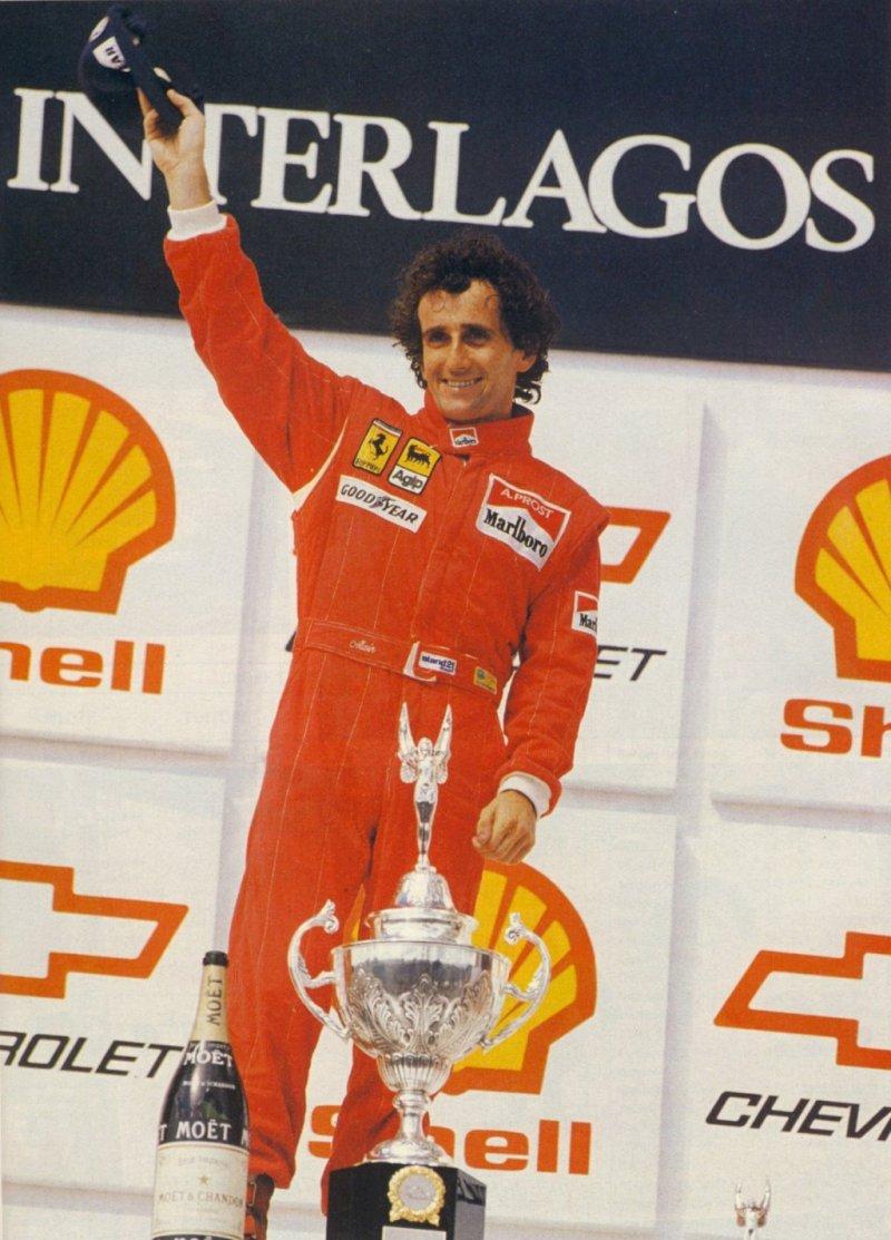 Alain Prost slavi šestu pobjedu na VN Brazila. Bila je to prva utrka na novom, skraćenom Interlagosu. (25.3.1990.) Foto: ferraridatabase
