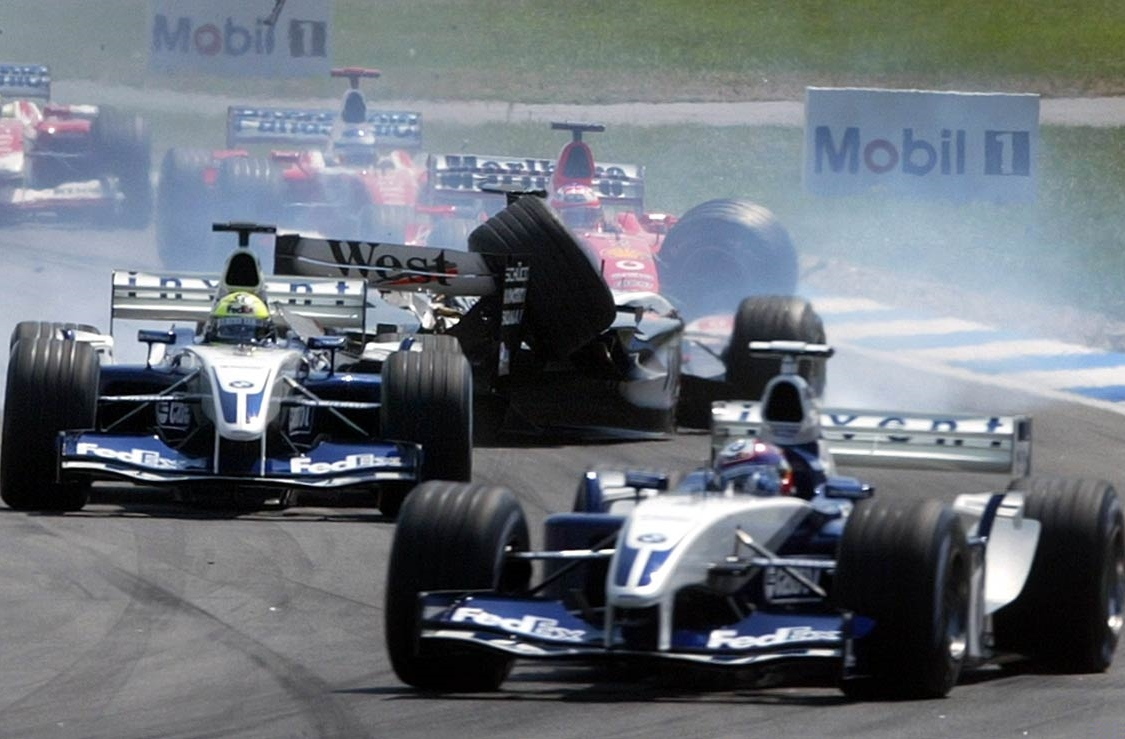 german-gp-2003-hockenheim-start-crash-ralf-schumacher-raikkonen-barrichello foto reuters