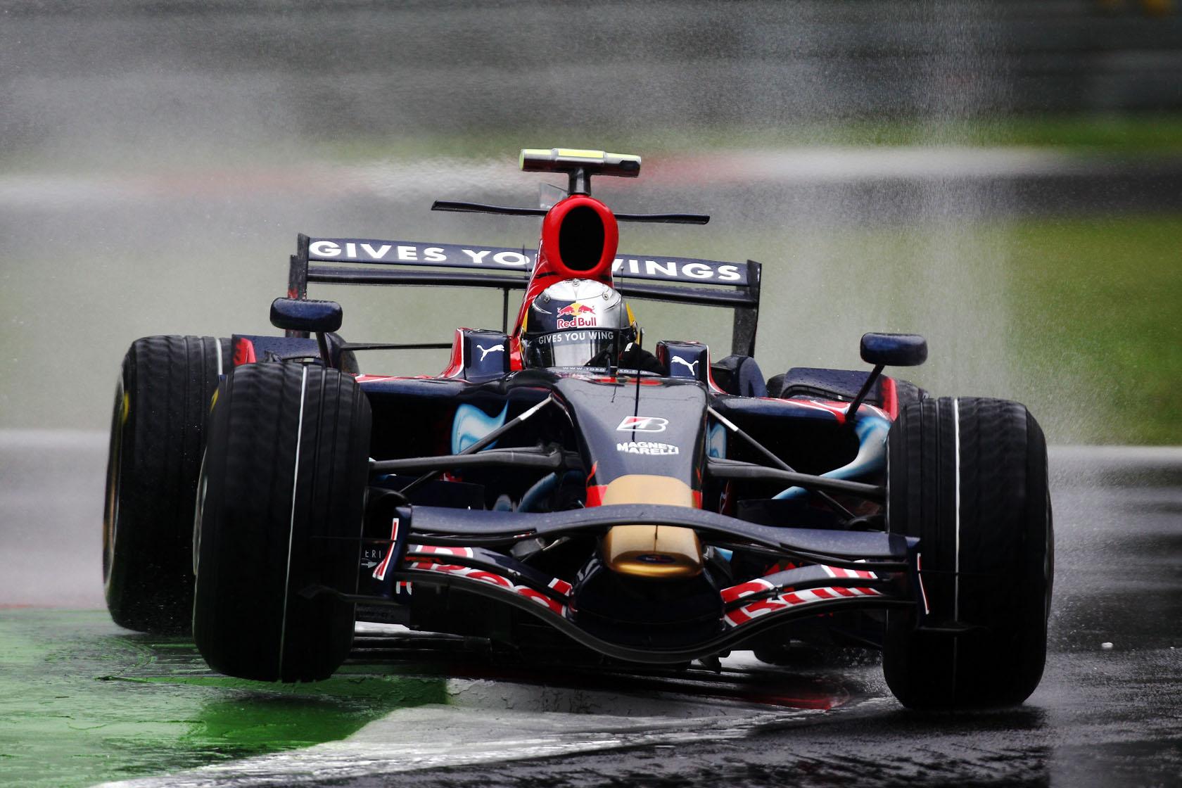 Sebastian Vettel u Toro Rosso Ferrariju na putu prema prvoj pobjedi u karijeri. Iduće godine prelazi u Red Bull, a ostalo je povijest. (13.9.2008.) Foto: formulaoneitalia