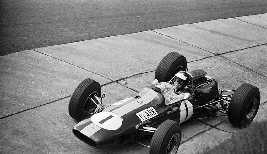 jim-clark-lotus-33-german-gp-nurburgring-f1-1965-his-8th-and-last-grand-chelem-Foto-itsawheelthing