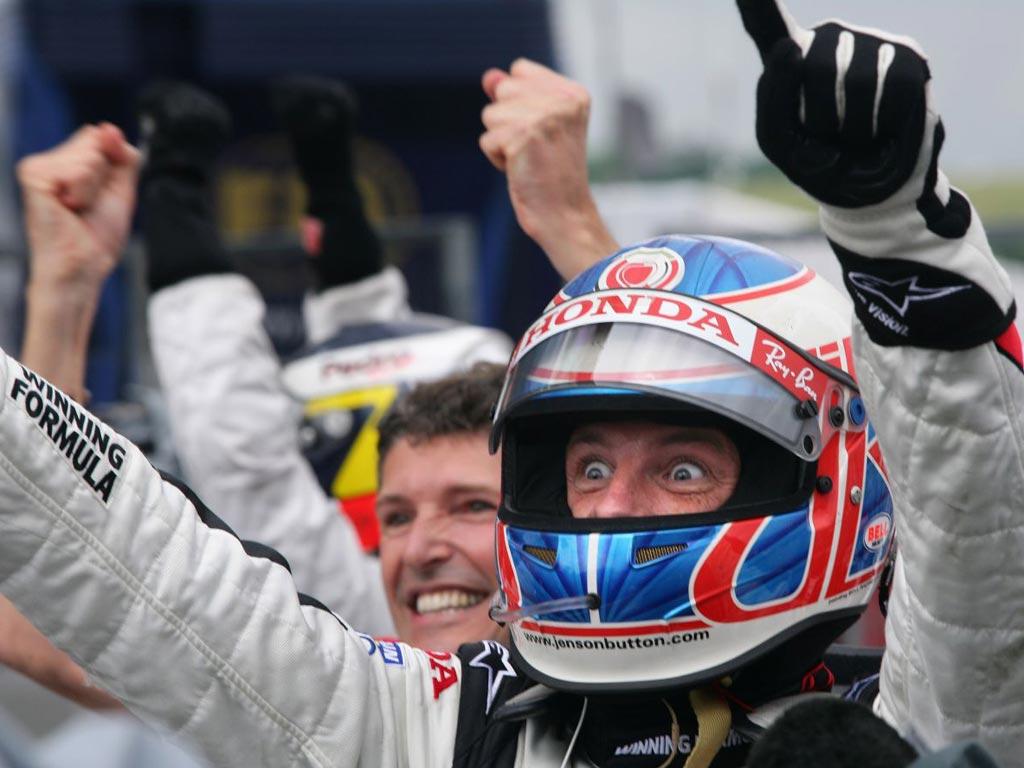 Jenson Button je u svom 113. nastupu u Formuli 1 na kišnom Hungaroringu došao do prve pobjede u karijeri. (6.8.2006.) Foto: Honda