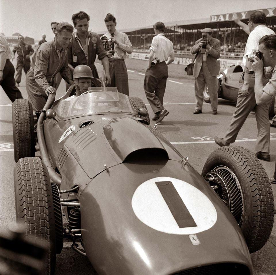 peter-collins-last-victory-ferrari-great-britain-gp-silverstone-f1-1958 foto imgur