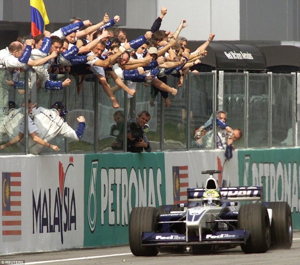 Ralf Schumacher ostvario je jedinu pobjedu sezone za svoju momčad na drugoj utrci sezone u Maleziji. (17.3.2002.) Foto: Reuters