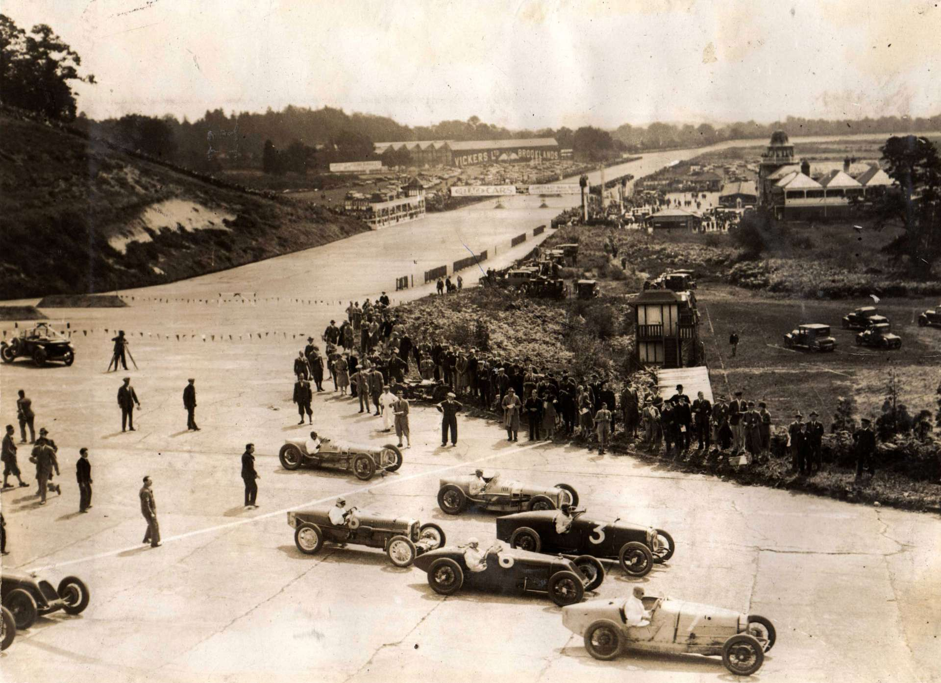 start of the first ever british gp 1926 brooklands