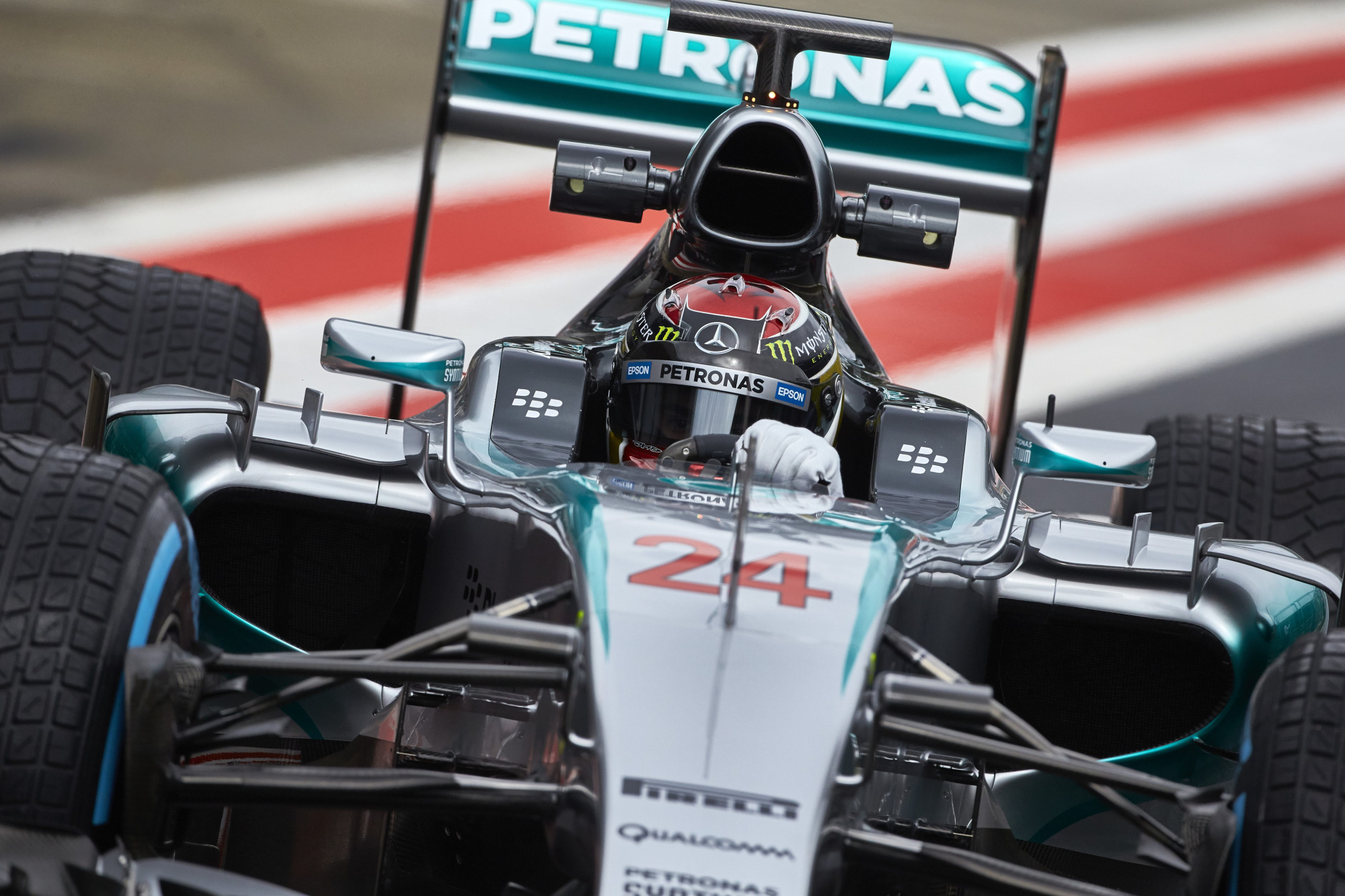 pascal-wehrlein-mercedes-w06-hybrid-austria-f1-test-2015