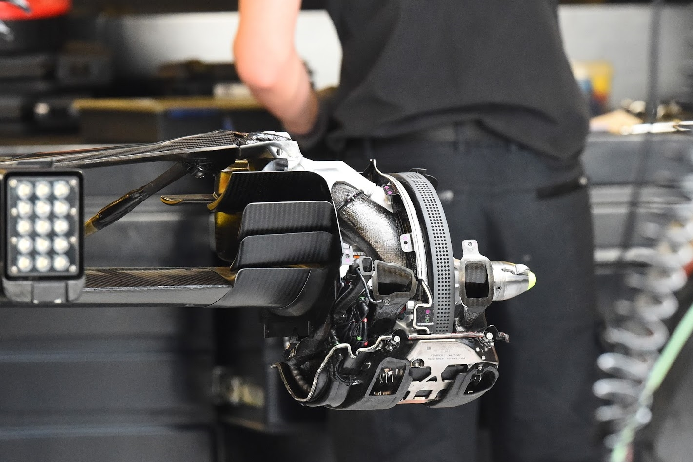 mercedes-rear-brake-duct-abu-dhabi-2015