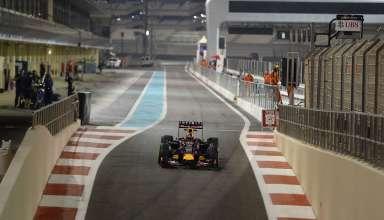 daniil-kvyat-red-bull-renault-rb11-abu-dhabi-f1-2015-tyre-test-soft-pirelli-pit-exit