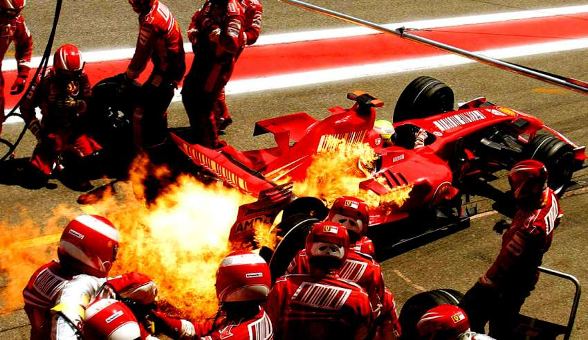 felipe-massa-ferrari-f2008-spain-gp-f1-catalunya-2008-pitstop-fire