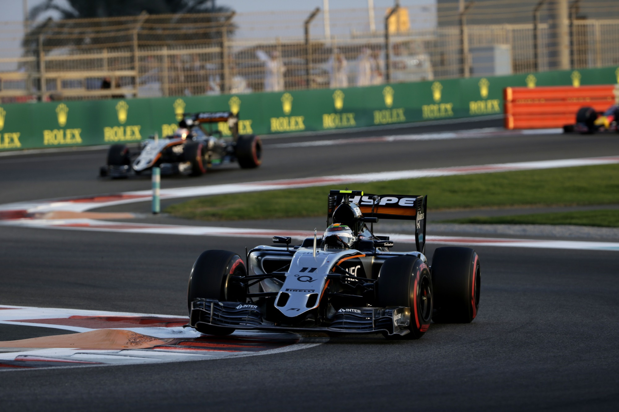 perez-leads-hulkenberg-force-india-abu-dhabi-gp-f1-2015.