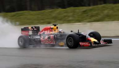 ricciardo-red-bull-tag-heuer-pirelli-wet-tyre-test-paul-ricard-close