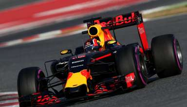 daniil-kvyat-red-bull-rb12-tag-barcelona-test-f1-2016
