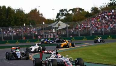 Romain Grosjean leads Nico Hulkenberg at the Australian GP F1 2016