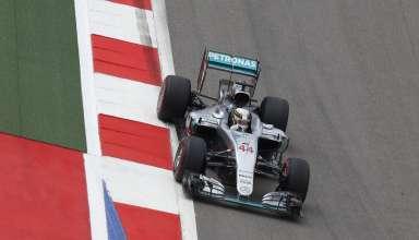 Lewis Hamilton Mercedes W07 Hybrid Russia GP F1 2015 Foto Mercedes
