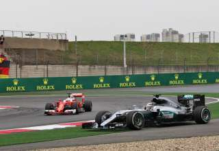 Lewis Hamilton Mercedes W07 Hybrid Sebastian Vettel Ferrari SF16-H China GP F1 2016 friday
