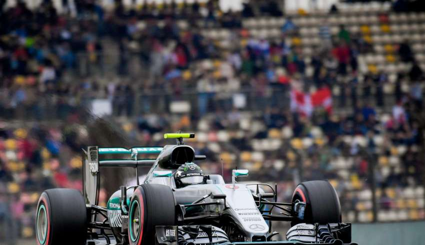 Nico Rosberg Mercedes W07 Hybrid China GP F1 2016 DRS open