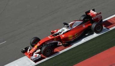 Sebastian-Vettel-Ferrari-SF16-H-Russia-GP-Sochi-F1-2016-on-exit-kerb Foto Ferrari