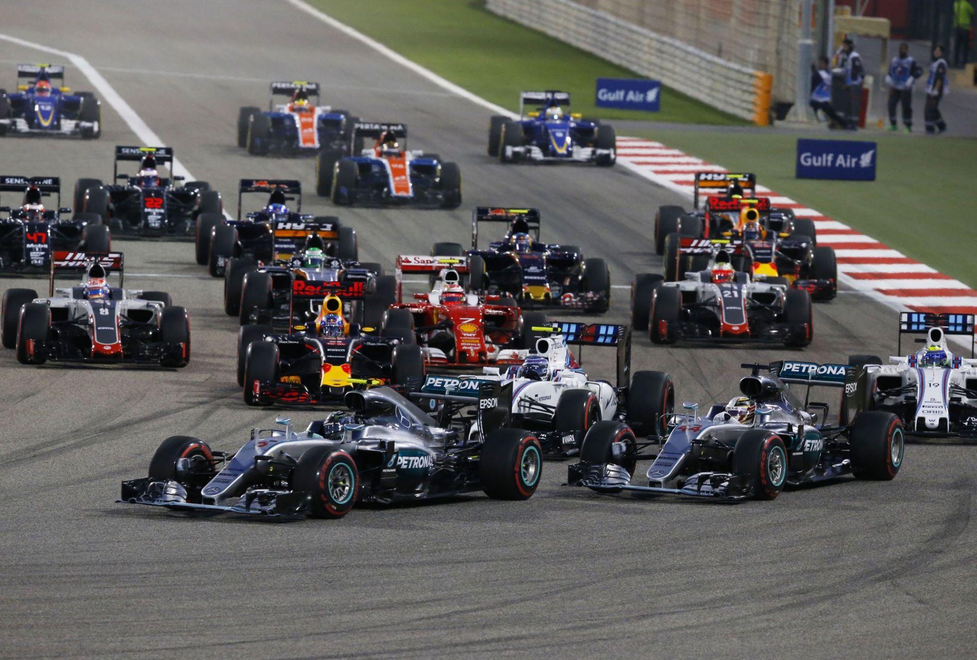 Start of the Bahrain GP F1 2016. Foto Mercedes