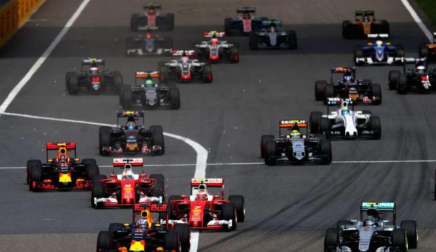 Start of the Chinese GP F1 2016 -1-