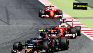 Carlos Sainz Toro Rosso Ferrari STR11 leads Vettel and Raikkonen in Ferrari SF16-H Spain GP F1 2016 Foto Red Bull