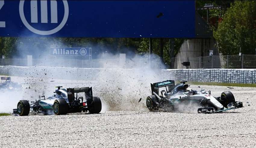 Hamilton i Rosberg Spain GP F1 2016 chrash at turn 4