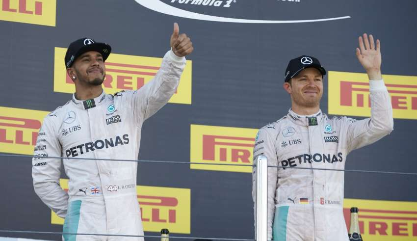 Lewis Hamilton and Nico Rosberg Mercedes W07 Hybrid podium celebrations Russia GP F1 2016 Foto Mercedes