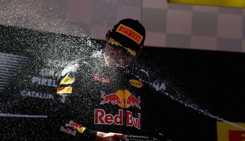 Max Verstappen Red Bull TAG Heuer RB12 celebration on podium Spain GP F1 2016 Foto Red Bull