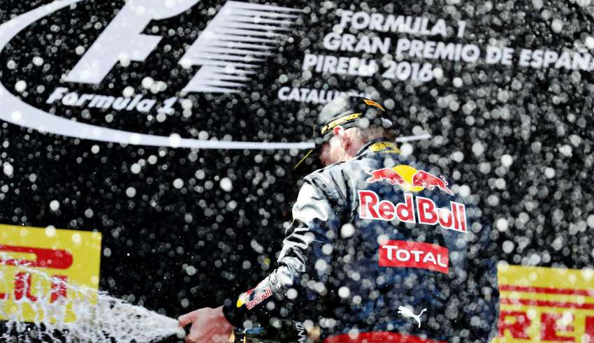 Max Verstappen Red Bull TAG Heuer RB12 podium celebration 2 Spain GP F1 2016 Foto Red Bull