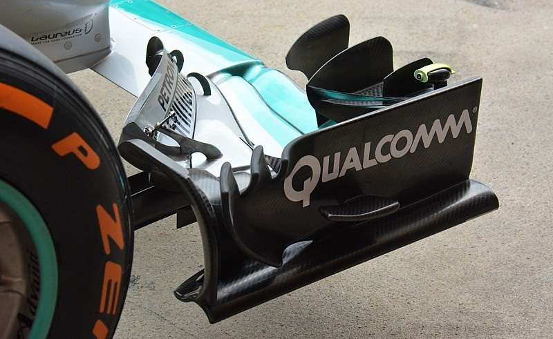 Mercedes W07 Hybrid new ront wing 2 Spain GP Barcelona foto automotorundsport