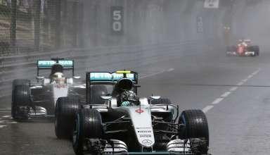 Nico Rosberg Mercedes W07 Hybrid Monaco GP F1 2016. wet race Tabac corner Foto Mercedes