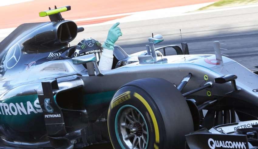 Nico Rosberg Mercedes W07 Hybrid Russia GP F1 2016 celebrates after the race Foto Mercedes