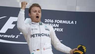 Nico Rosberg Mercedes W07 Hybrid Russia GP F1 2016 podium celebration Foto Mercedes