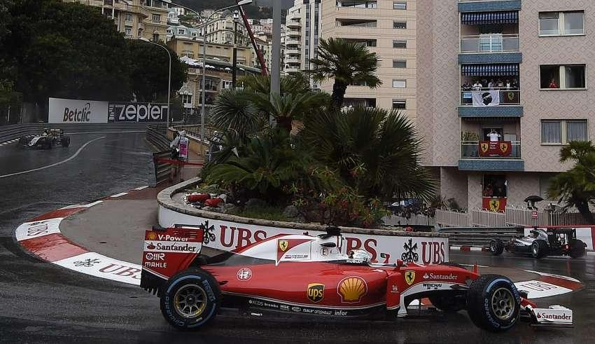 Sebastian Vettel Ferrari SF16-H Monaco GP hairpin wet F1 2016 Foto Ferrari