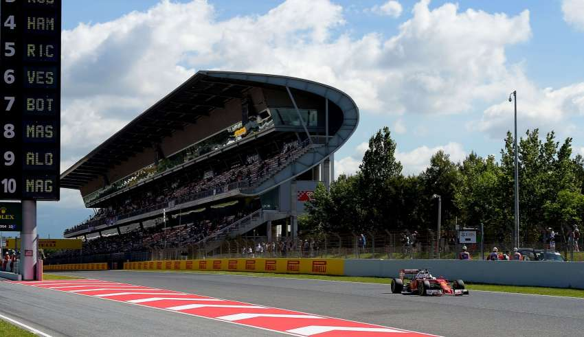 Sebastian Vettel Ferrari SF16-H Spain GP Barcelona F1 2016 main straight Foto Ferrari