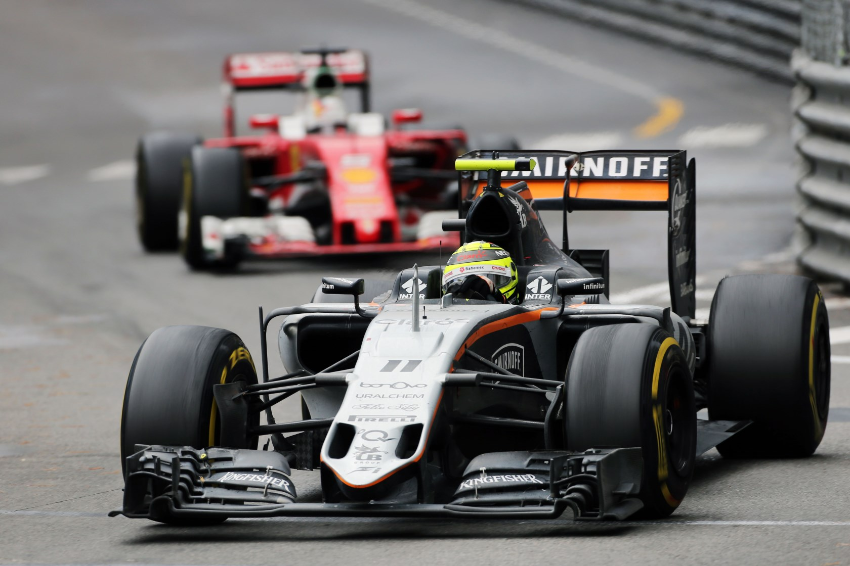 Sergio Perez Force India Mercedes VJM09 leads Sebastian Vettel Ferrari SF16-H Monaco GP F1 2016 Foto Force India
