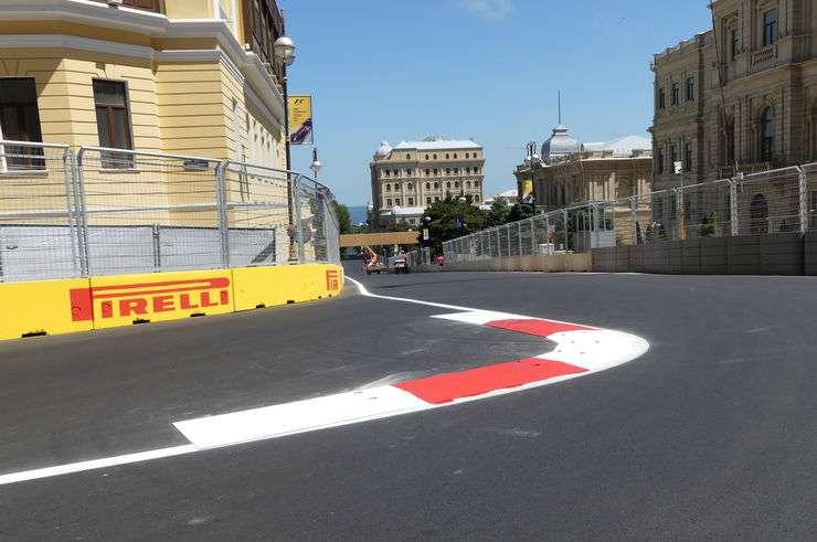 Baku City Circuit Foto Auto Motor und Sport