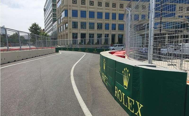 Baku Street Circuit pit entry F1 2016 Foto Motorsport