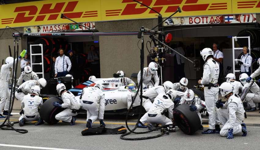 Felipe Massa Williams FW38 Mercedes Canada GP F1 2016 during his pitstop Foto Williams