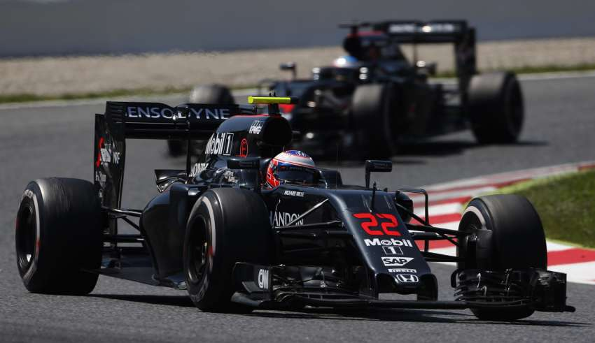 Jenson Button Fernando Alonso McLaren Honda MP4-31 Spain GP F1 2016 Foto McLaren